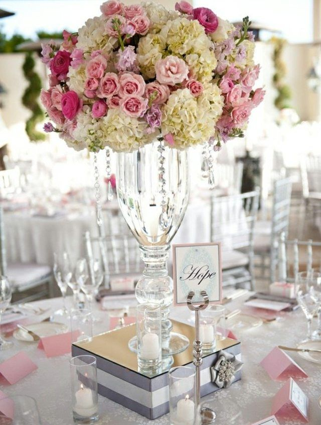 verlobung feiern edel tischdeko arrangement rosen. Black Bedroom Furniture Sets. Home Design Ideas