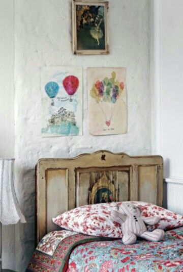 Kids bedroom country