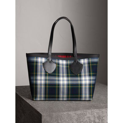 The Giant Reversible Tote Bag in Ink Blue and Military Red Cotton Burberry FiWad8rc