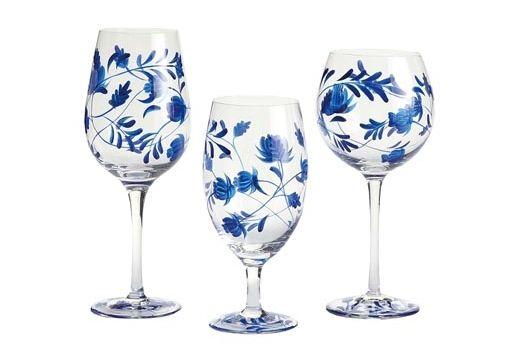 Pier 1 Imports Floral Balloon Glasses, $8 each 吹製的精美玻璃杯,手工繪製著青花瓷般優雅清麗的花飾紋樣,為夏日帶來一抹動人的清涼。