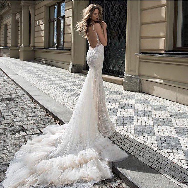 Beautiful Berta @bertabridal  #regram from @mrtheodoreweddings  #berta #weddingdress #wedding #gown #beautiful #photoshoot #love #bridalgown #bridetobe #fashion #bride #fashionphotography #photography #style #styledshoot #white #model #weddingstyle #elegant #bridalstyle #love #bridal #engaged #embellished #tulle #inspo #inspiration #dress by lockstitchandlinen