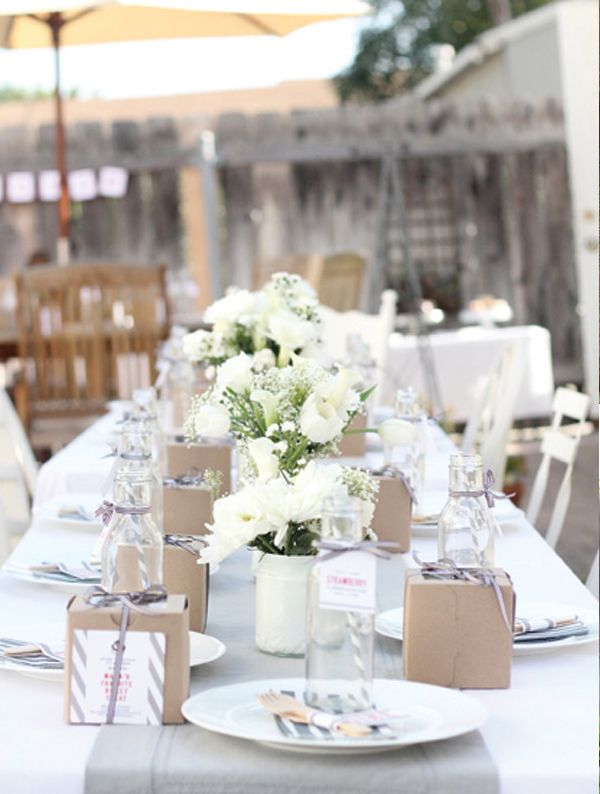 table setting - gray . stripes . brown boxes . white flowers . & table setting - gray . stripes . brown boxes . white flowers ...