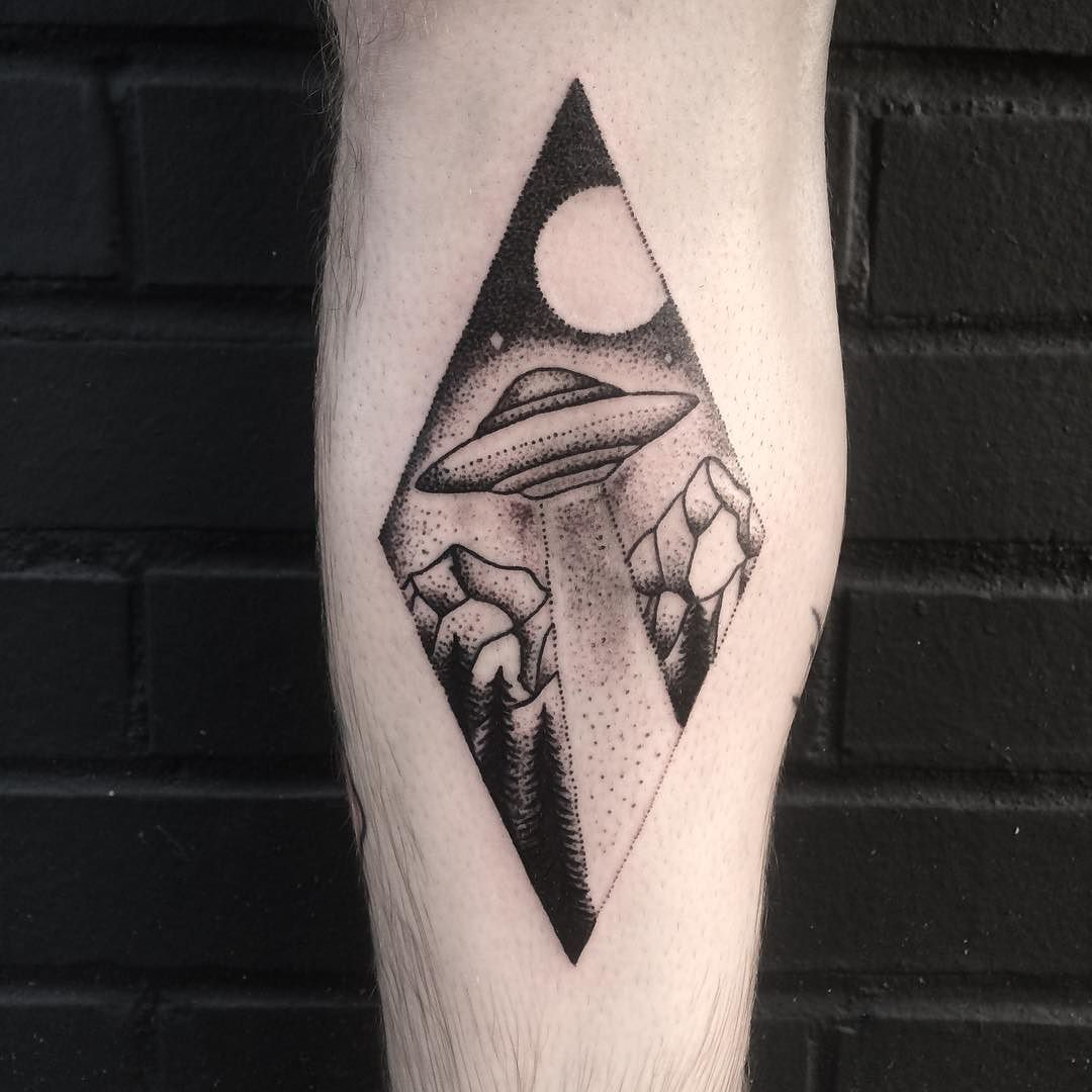 Custom ufo tattoo for Ross! Thanks for giving me a cool idea to play ...