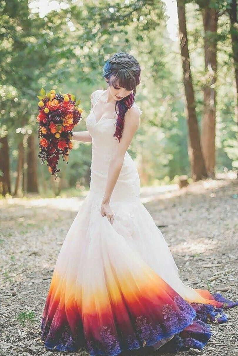 Dip dyed wedding dresses are the newest trendand for