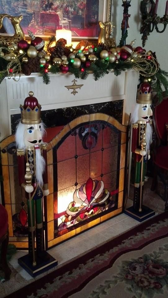 pin by ashley miller on my christmas obsession stained glass rh pinterest com christmas fireplace screensaver mac christmas fireplace screensaver free