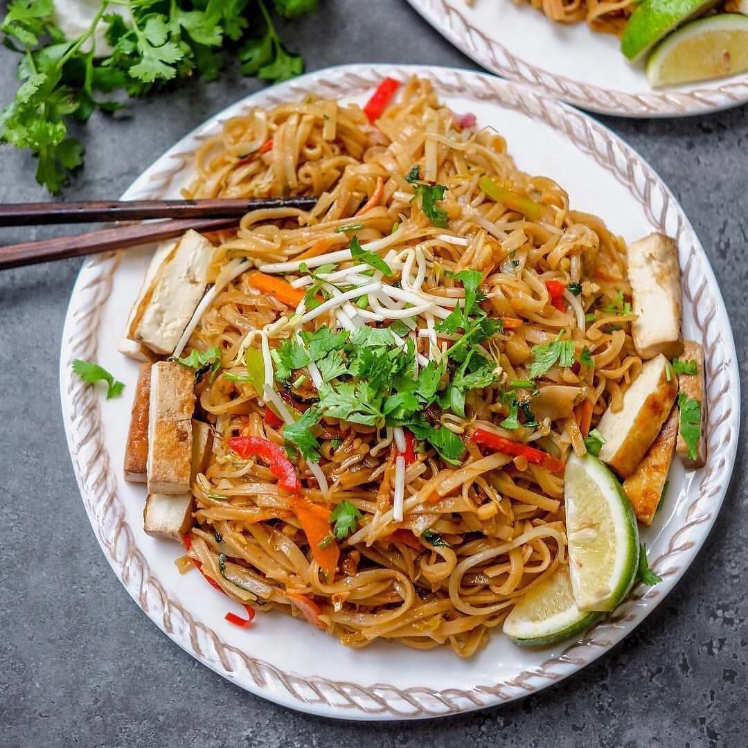 Stir Fried Sweet Chili Peanut Rice Noodles By Foodietakesflight Recipe Ingredients 200g Dry Rice Noodles S Sweet Chili Ingredients Recipes Asian Recipes