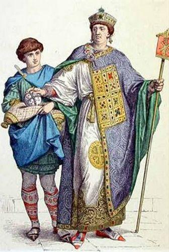 Lorus: Fragmento rectangular de tela, cosida en la parte delantera del traje, en las túnicas bizantinas.