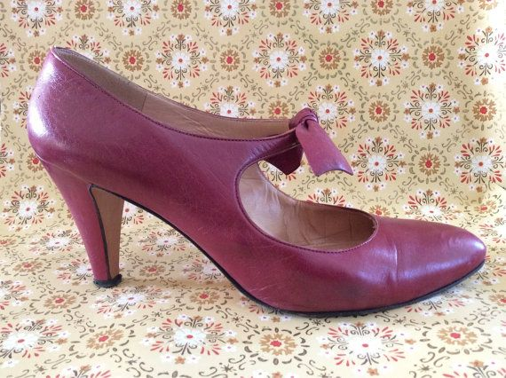 Calvin Klein Classifications Leather Mary Jane With Bow Size 85