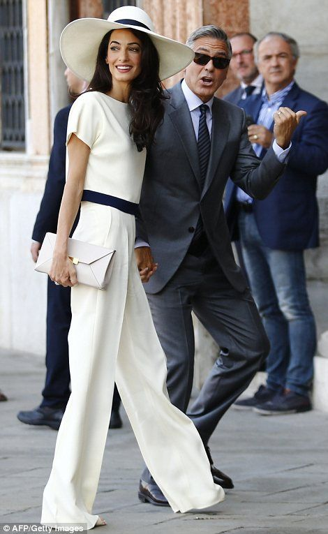 George Clooney Amal Alamuddin Hold 10 Min Civil Ceremony Costing E600 Fashion Pantsuit George Clooney