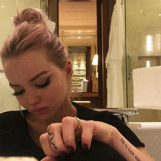Updates Of Dove Cameron Dovesources Instagram Foto S En Video S Dove Cameron Dove Cameron Style Dove Cameron Tattoo
