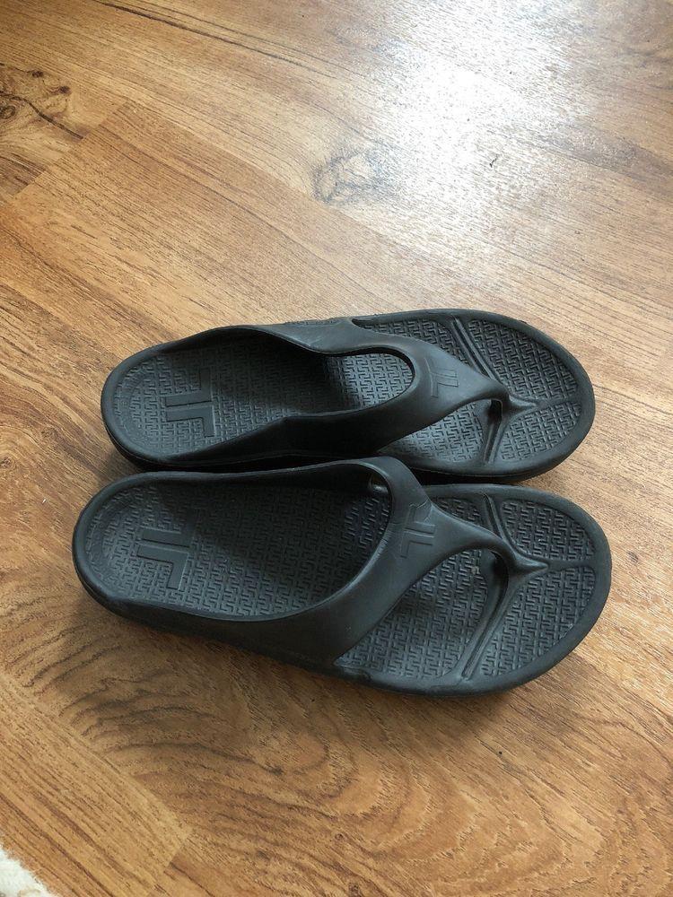 4c1a4df57876 Telic Black flip flops 2XS  fashion  clothing  shoes  accessories   womensshoes