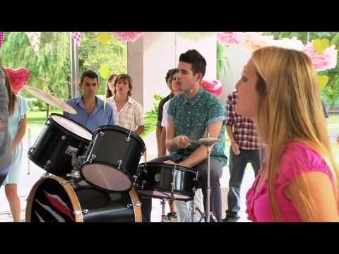 """Violetta: Los chicos cantan """"Te fazer feliz"""" (Temp 2 Ep 33) - YouTube"""