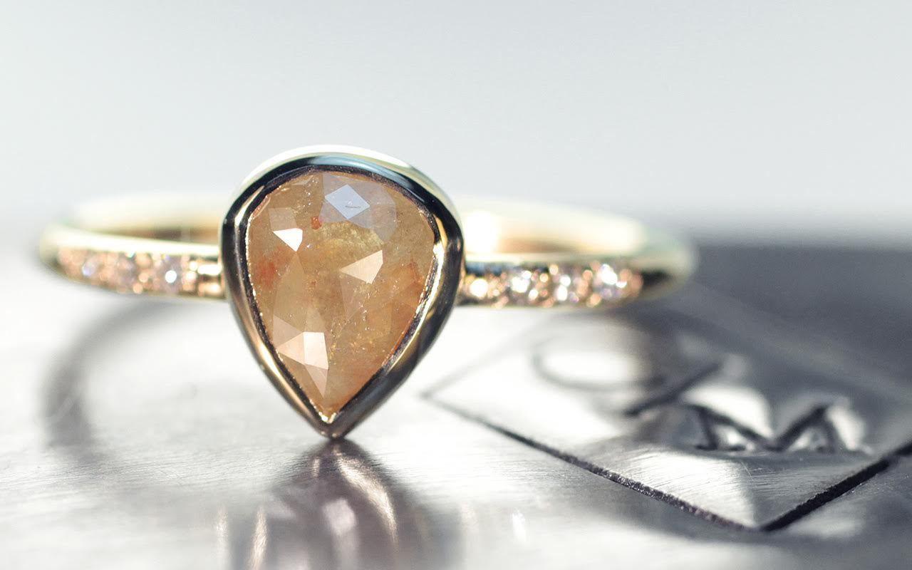 carat champagne pear diamond ring in yellow gold chinchar