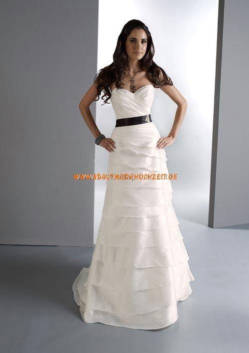 f21c71868cc Geschichtetes schlichtes Brautkleid aus Satin Bodenlang A-Linie  Herz-Ausschnitt Trägerlos