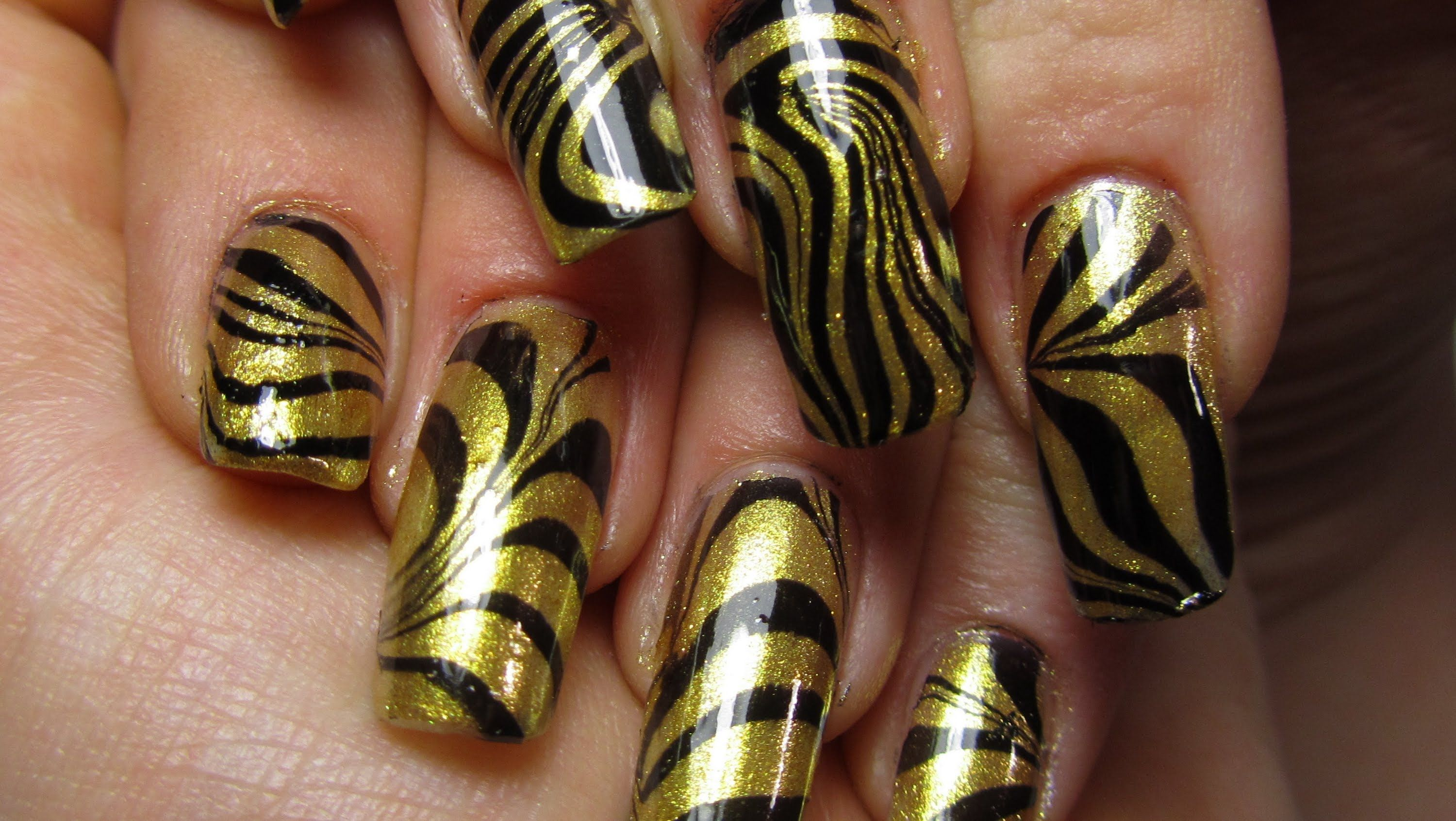 Black and Gold Water Marble Design Nail Art Tutorial | Fun things to ...