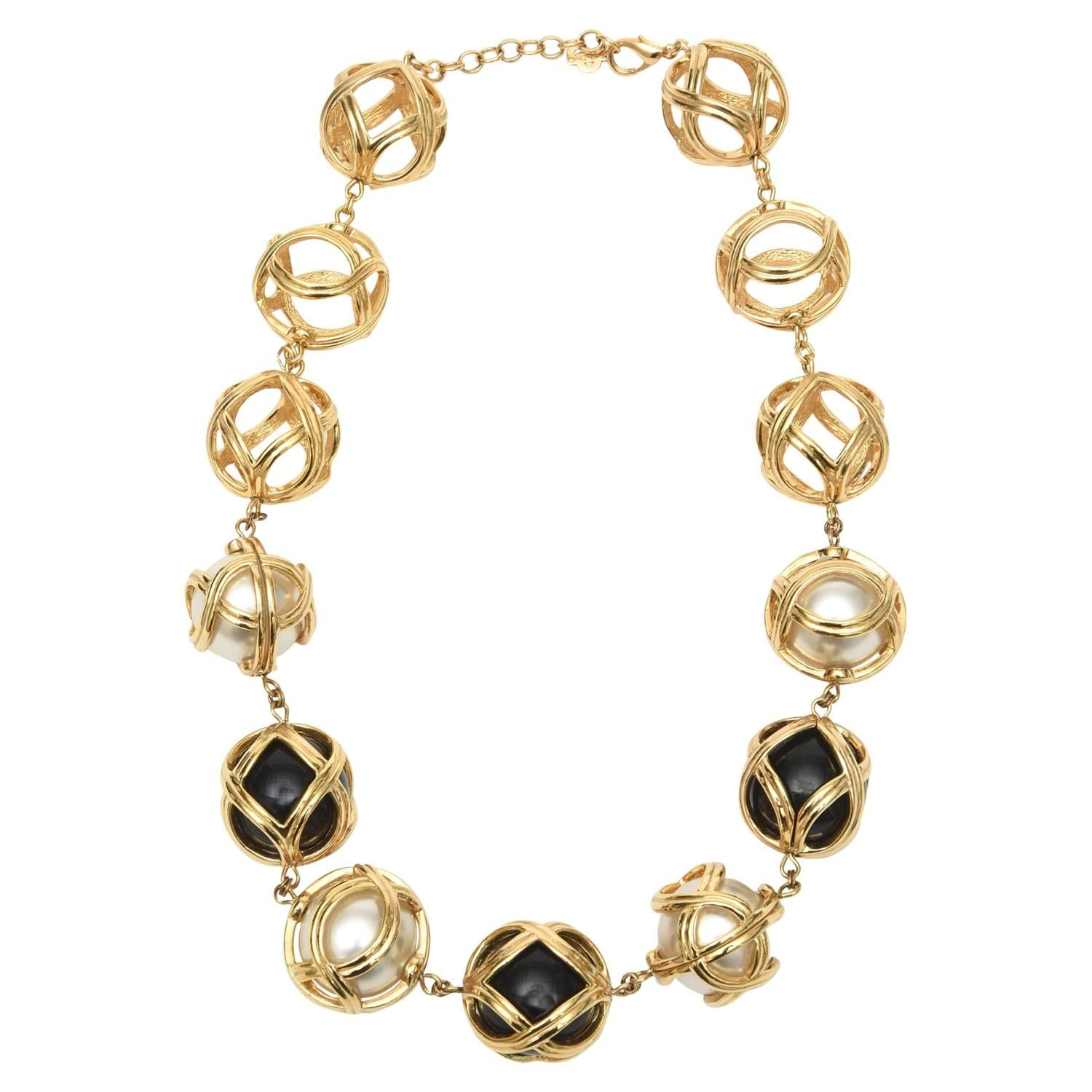 Vintage Gold Tone Box Chain with Gold Balls /& Faux Pearls
