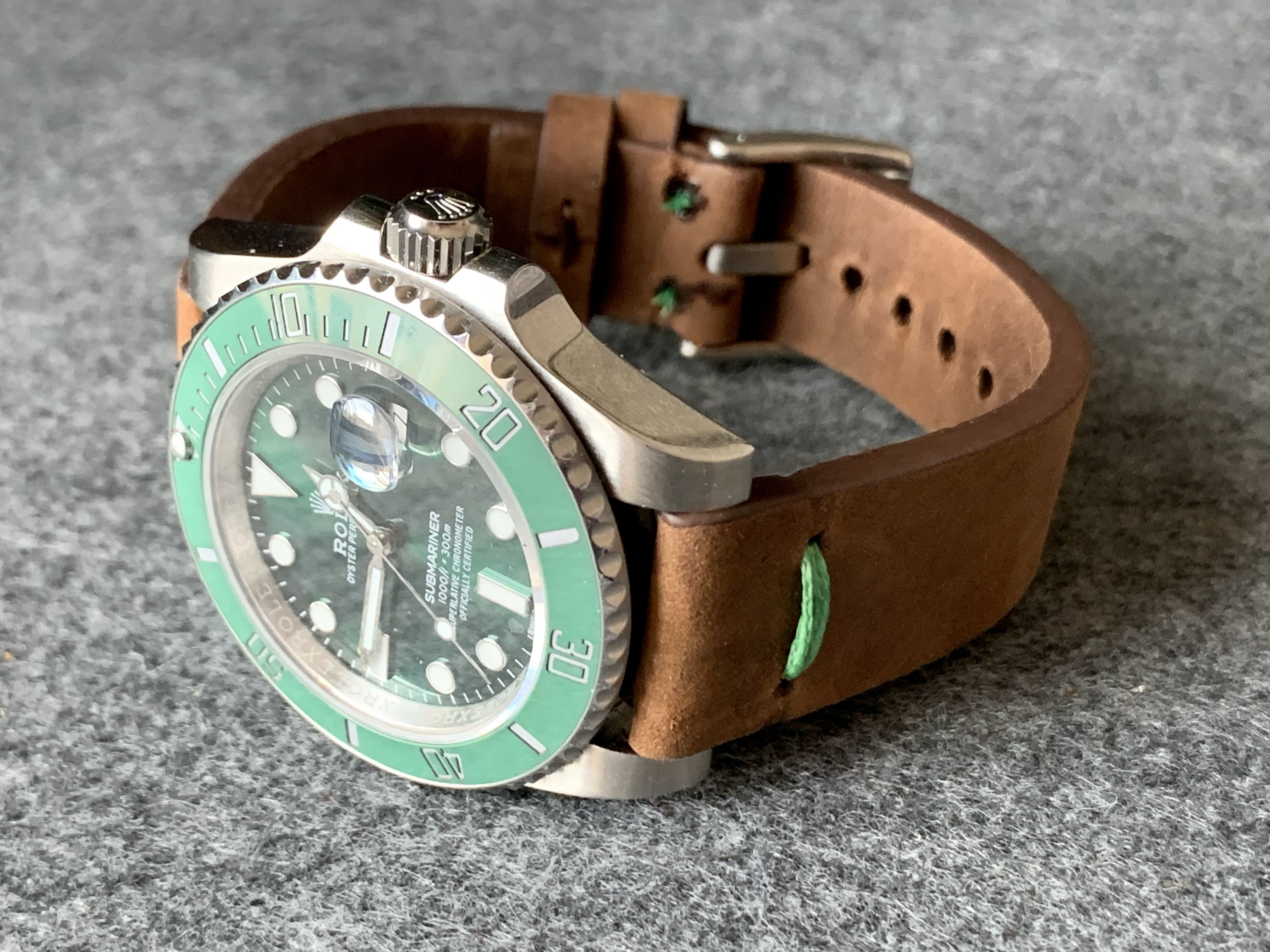 Brown crazy horse leather strap with a modern, minimalistic