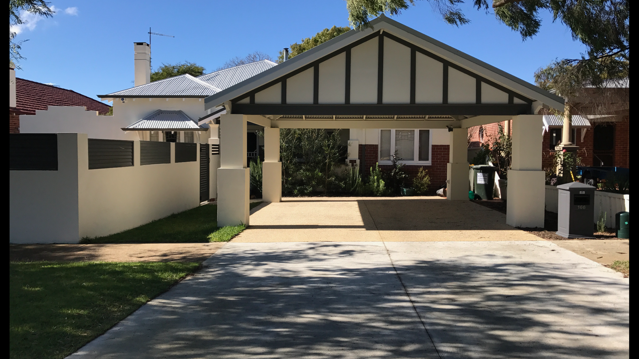 When The Details Are On Point Beautiful Double Carport In South Perth Features Rendered Brick Piers Corruga Exterior Design Double Carport Residential Design