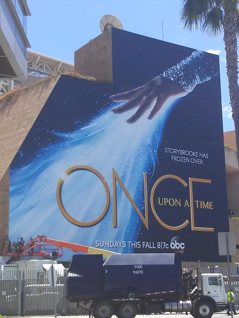 And so it begins. #SDCC2014 #OnceUponATime | ABC
