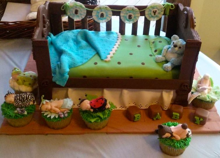 Baby shower cribcupcakes together cupcakes and cake put