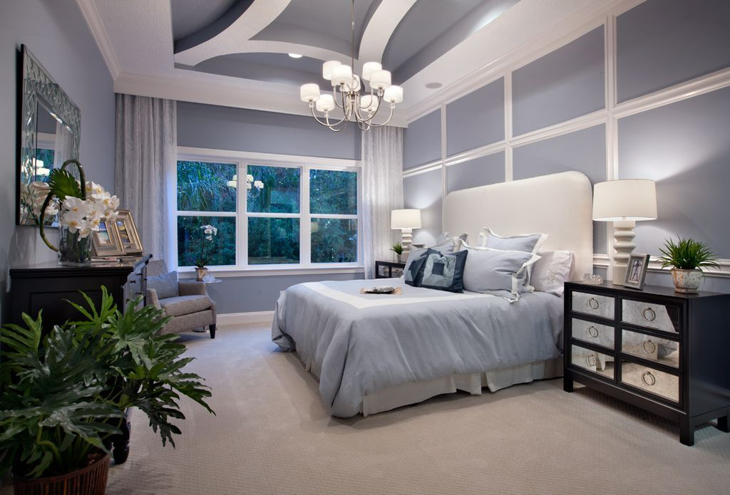 Contemporary Master Bedroom with Carpet, Exposed beam, Lawson Panel