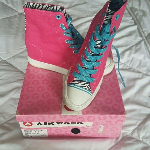 Airwalk Kicks Wedge Only worn once! Super cute shoe has built in wedge bb8f5d61703c