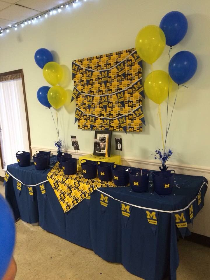university of michigan candy table for graduation party
