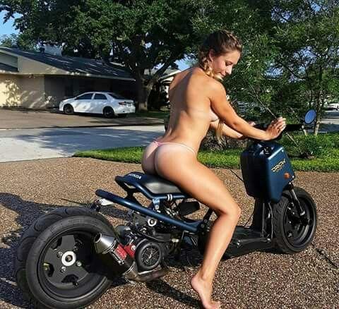 Hot girl on bikes 8
