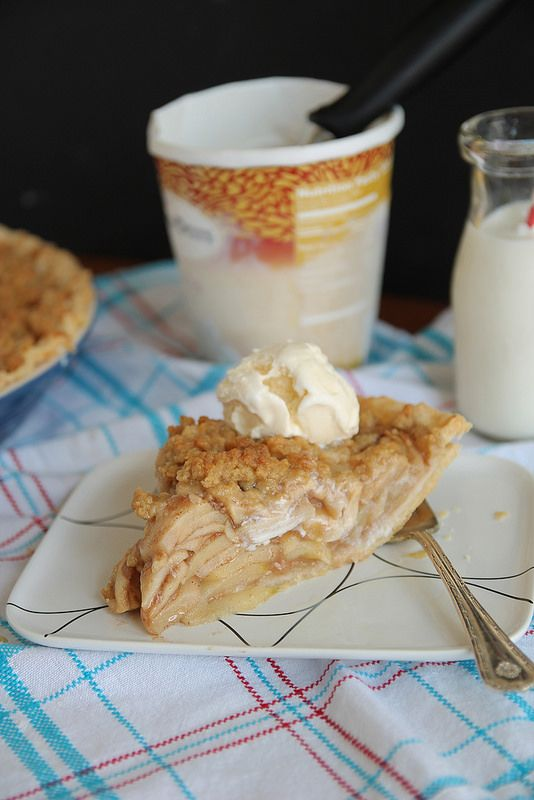 recipe: crustless apple pie with crumb topping [36]