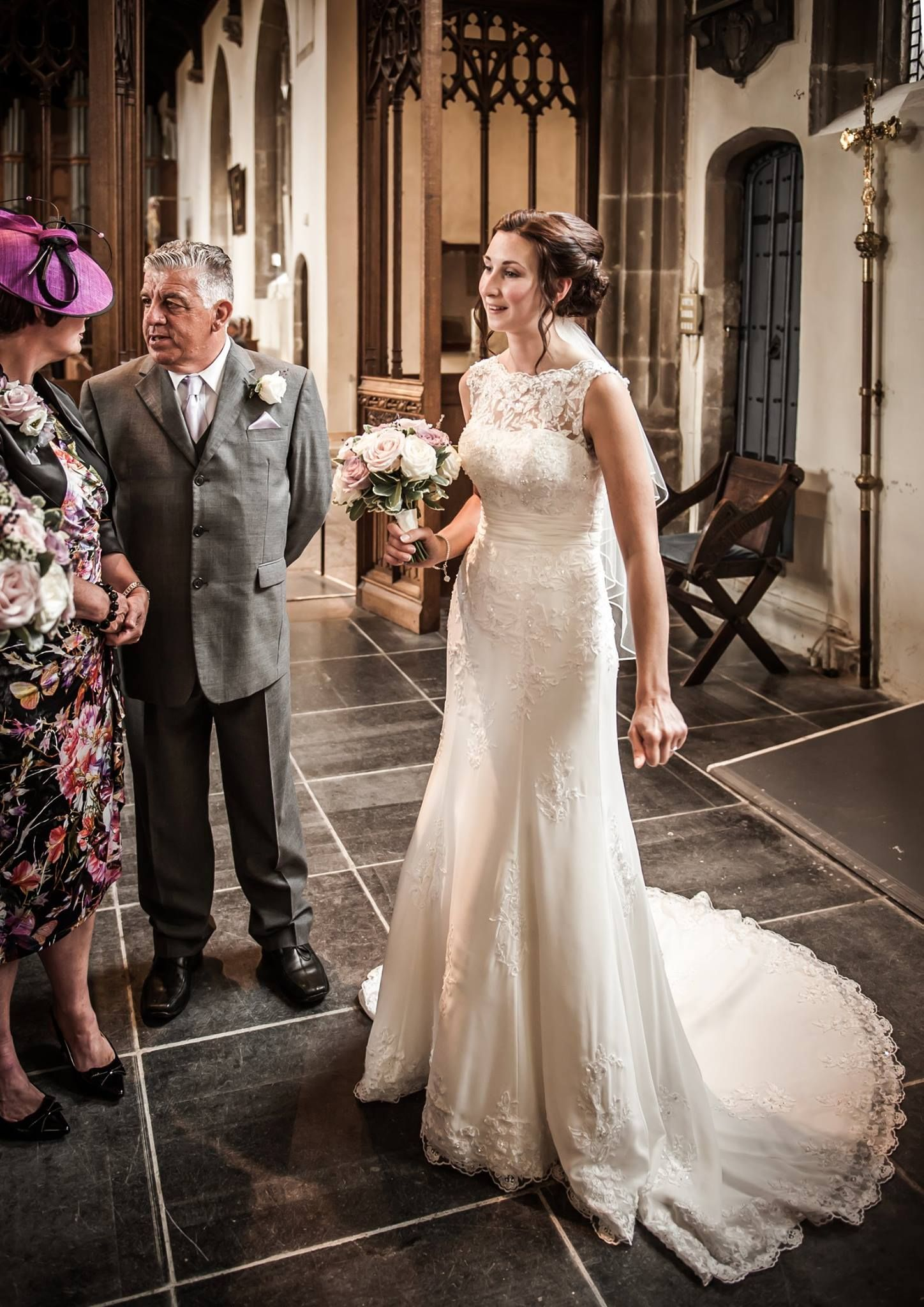 Ray Lockyer Yeovil Wedding Photographer - Our Bride waits as the ...