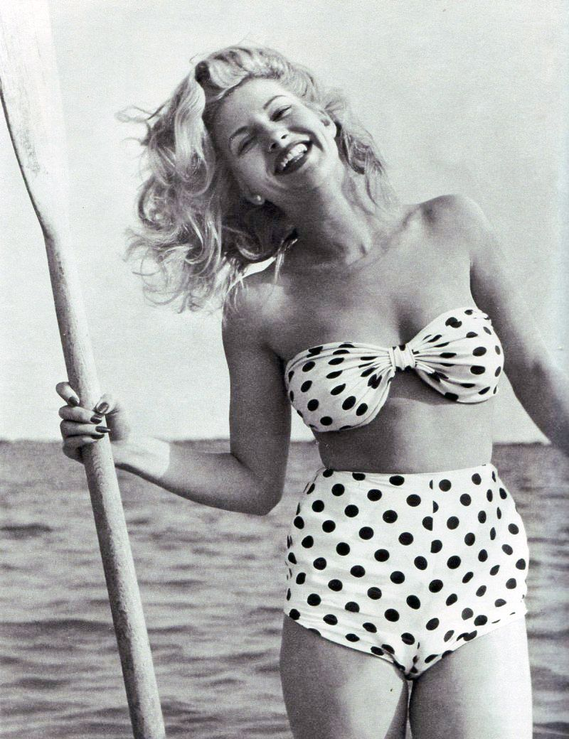 ff8f22b4e0 Love old pictures! Vintage SwimsuitsVintage BikiniRetro ...