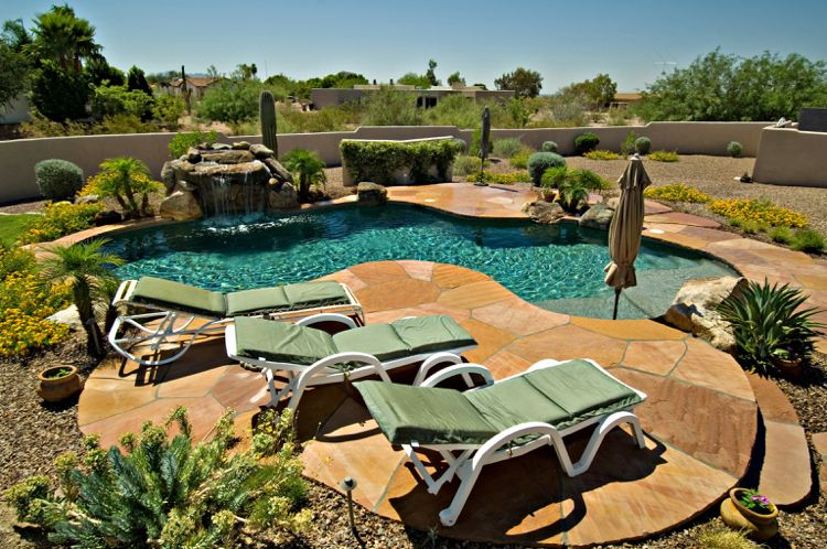 Was benötigt man, um einen Pool im Garten selbst zu bauen