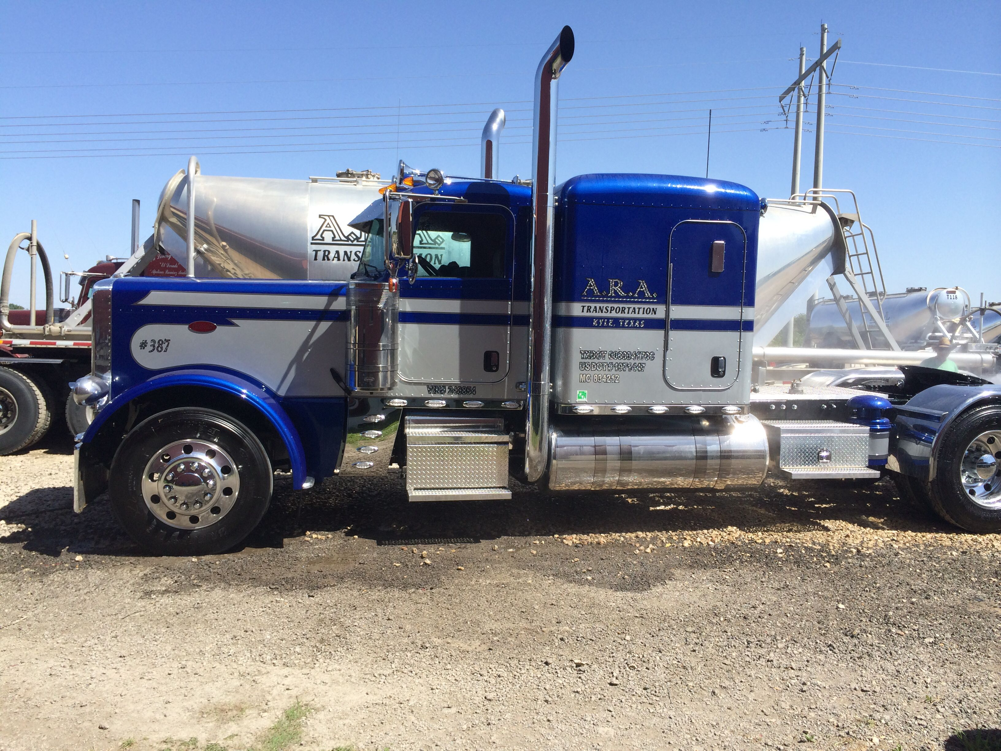 A r a transportation fitzgerald glider kit peterbilt ready for a bath