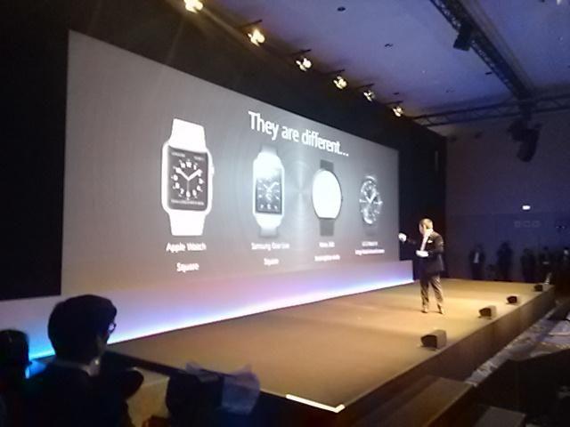 Ninguno de los wearables actuales convence a @HuaweiES, relojes circulares como G Watch R tienen demasiados bordes