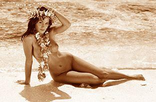 Hot sexy naked mermaids