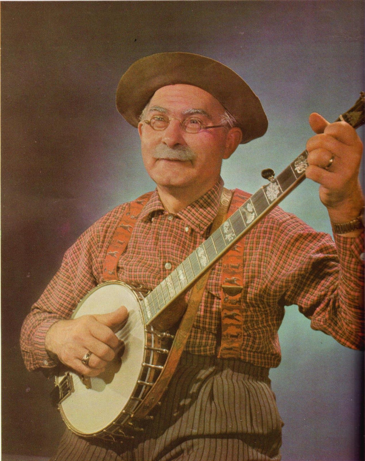 Grandpa Jones with his banjo <3 | Players and what they play in 2019