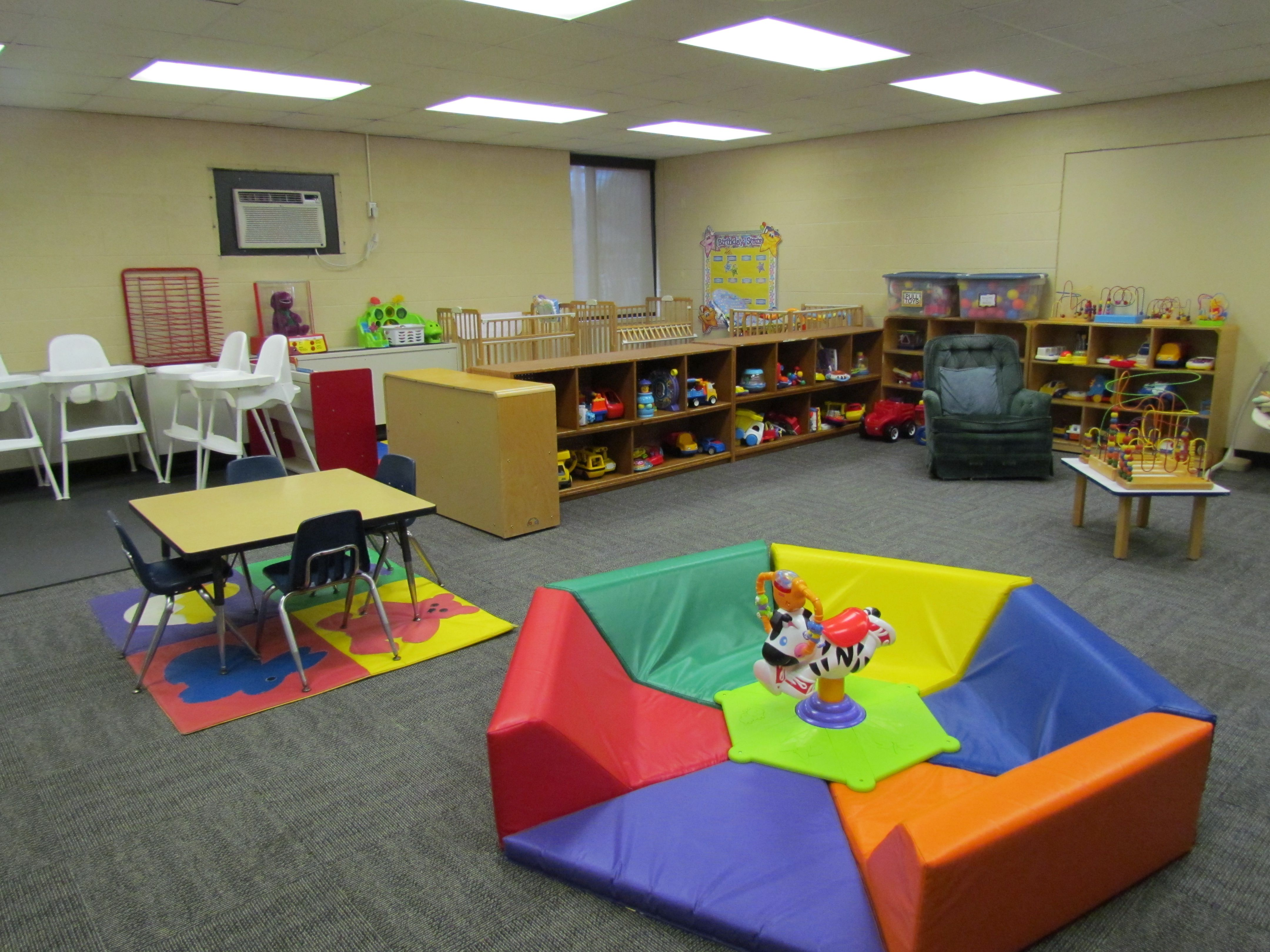 Infant classroom ideas lake shore public schools 28850 Dacare room designs