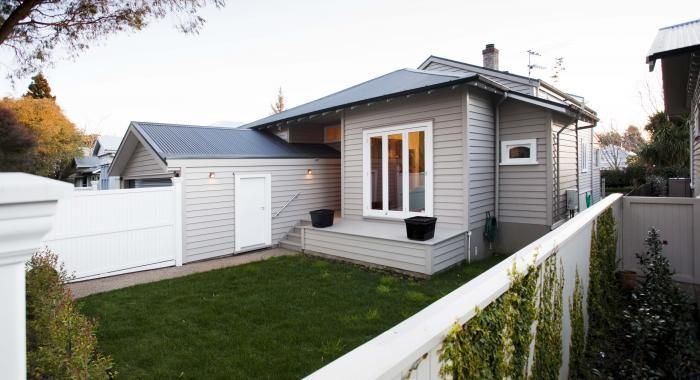 Blog jenkin partners with dulux paint for an excellent finish the jenkin posthttp blog - Dulux paint exterior photos ...