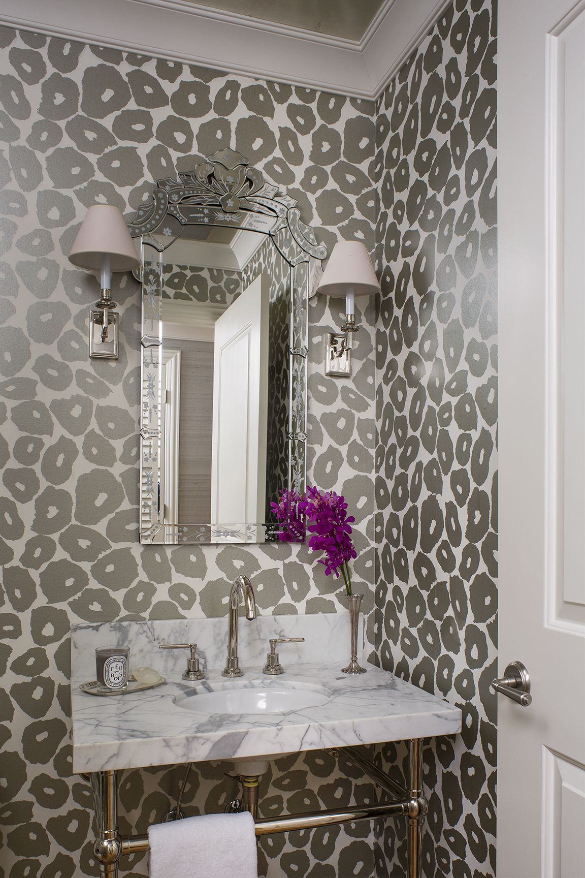 Glamorous Powder Room With Glossy Patterned Wall Paper Wendy Labrum Interiors Powder Room Wallpaper Bathroom Wallpaper Contemporary Modern Powder Rooms
