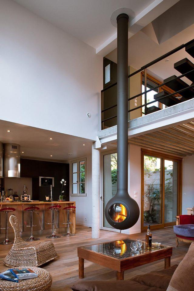 Hangende Kachel in de woonkamer op www.meubelmooi.nl #kachel ...