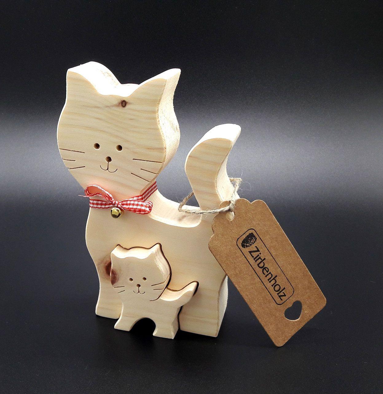 Photo of Gato decorado de madera de pino