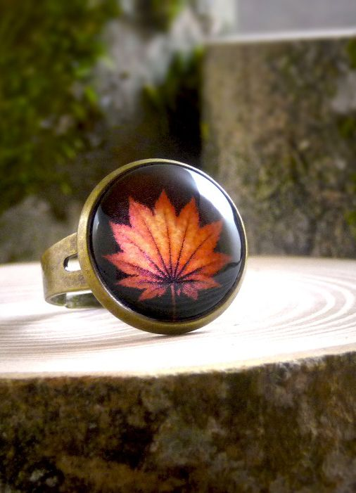 Autumn leaf Ring, Orange ring, Picture Ring, Fall Ring, Orange leaf autumn ring, Adjustable ring Statement ring, Antique brass ring