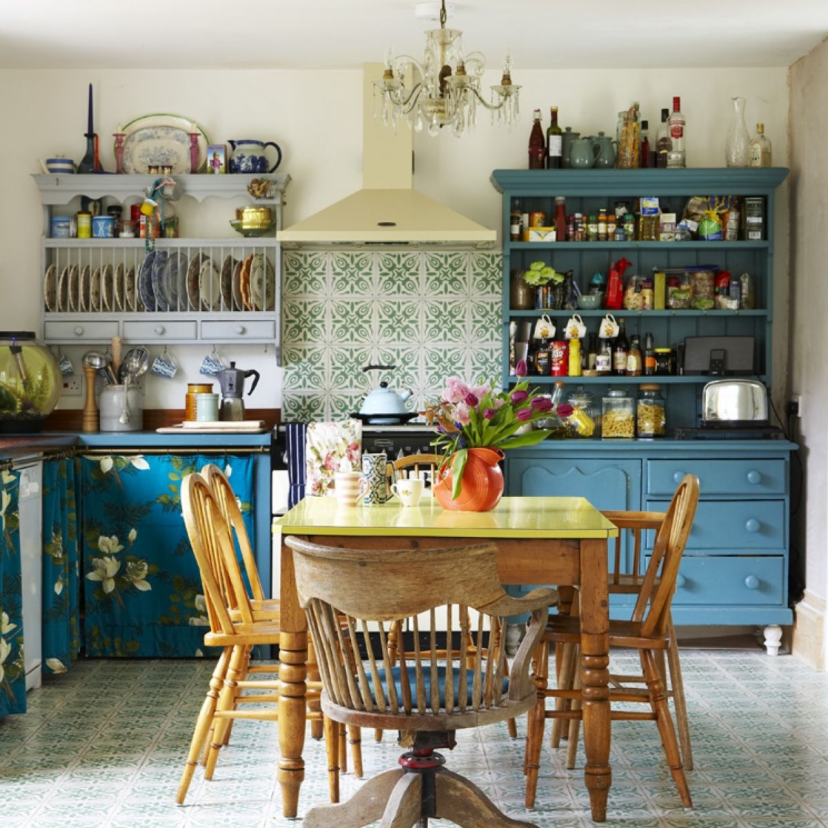 9 Stylish Vintage Kitchen Style With Timeless Charm  Interior