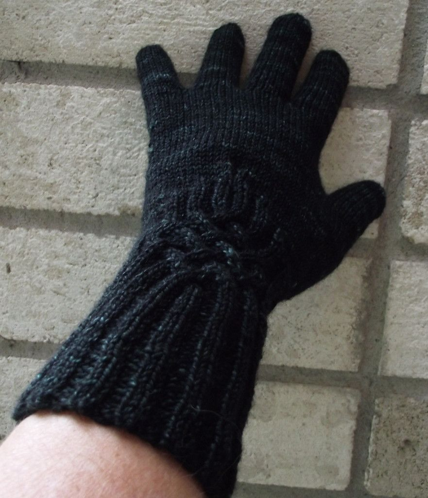 Knitting Knotty : Knitting gloves knotty by laris designs free