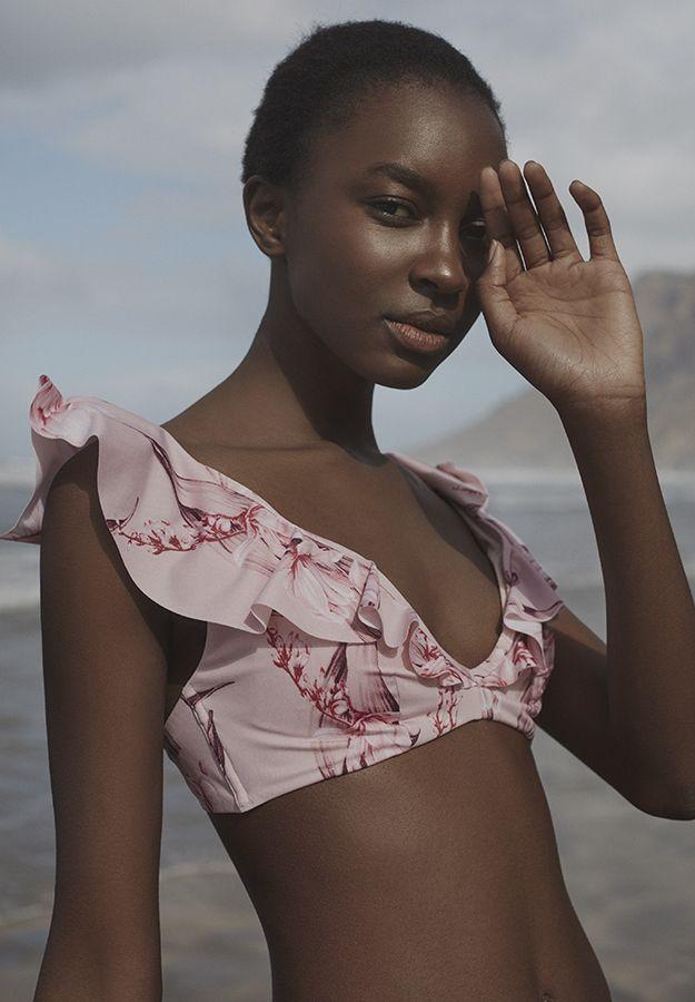 Ocean breeze - Spring Summer 2017 | Oysho    Triangular bikini top19,99 € / Floral Brazilian bikini briefs12,99 €  swimwear, pink ruffles