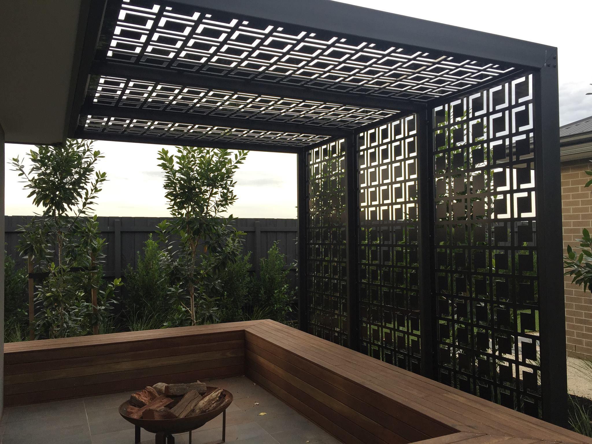 Iron pergola garden outdoor pinterest terrazas for Terrazas metalicas