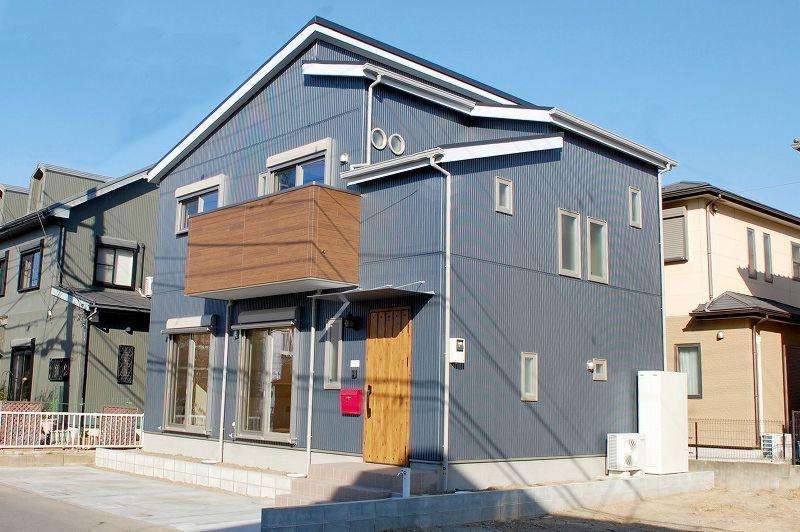 ネイビーの外壁 2020 エクステリア ホームウェア 住宅 外観