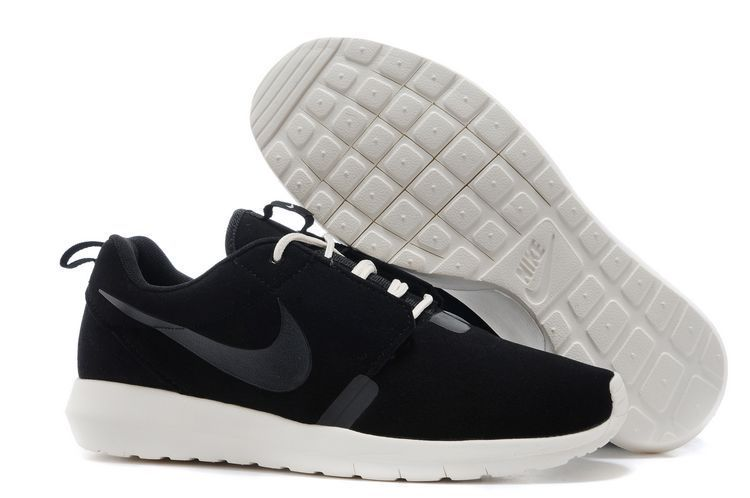 more photos 3c455 36d05 Acquista le Nuove Nike Roshe Run NM 3M Nere Anthracite Bianche Donna