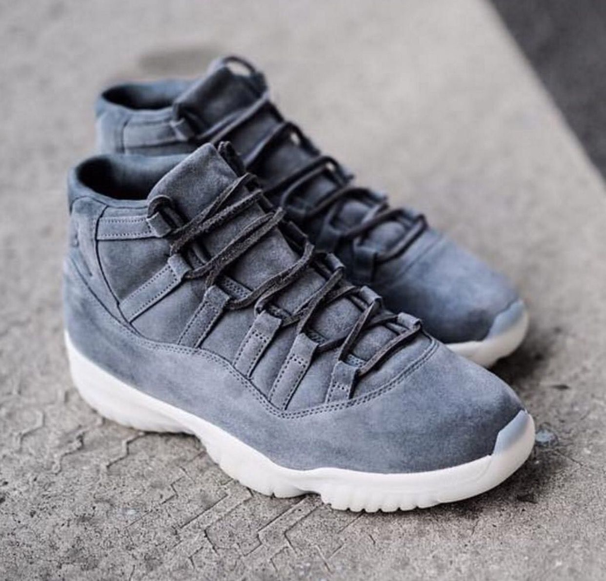 info for 56103 39c20 Grey suede 11s | Walking in these streets | Sneakers nike ...