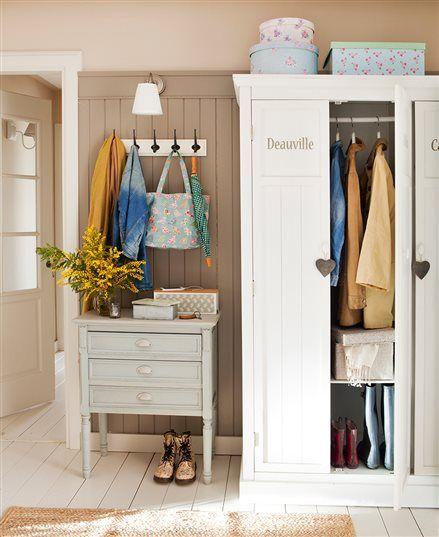 Recibidor con armario blanco, cómoda y perchero de pared recibo - muebles de pared
